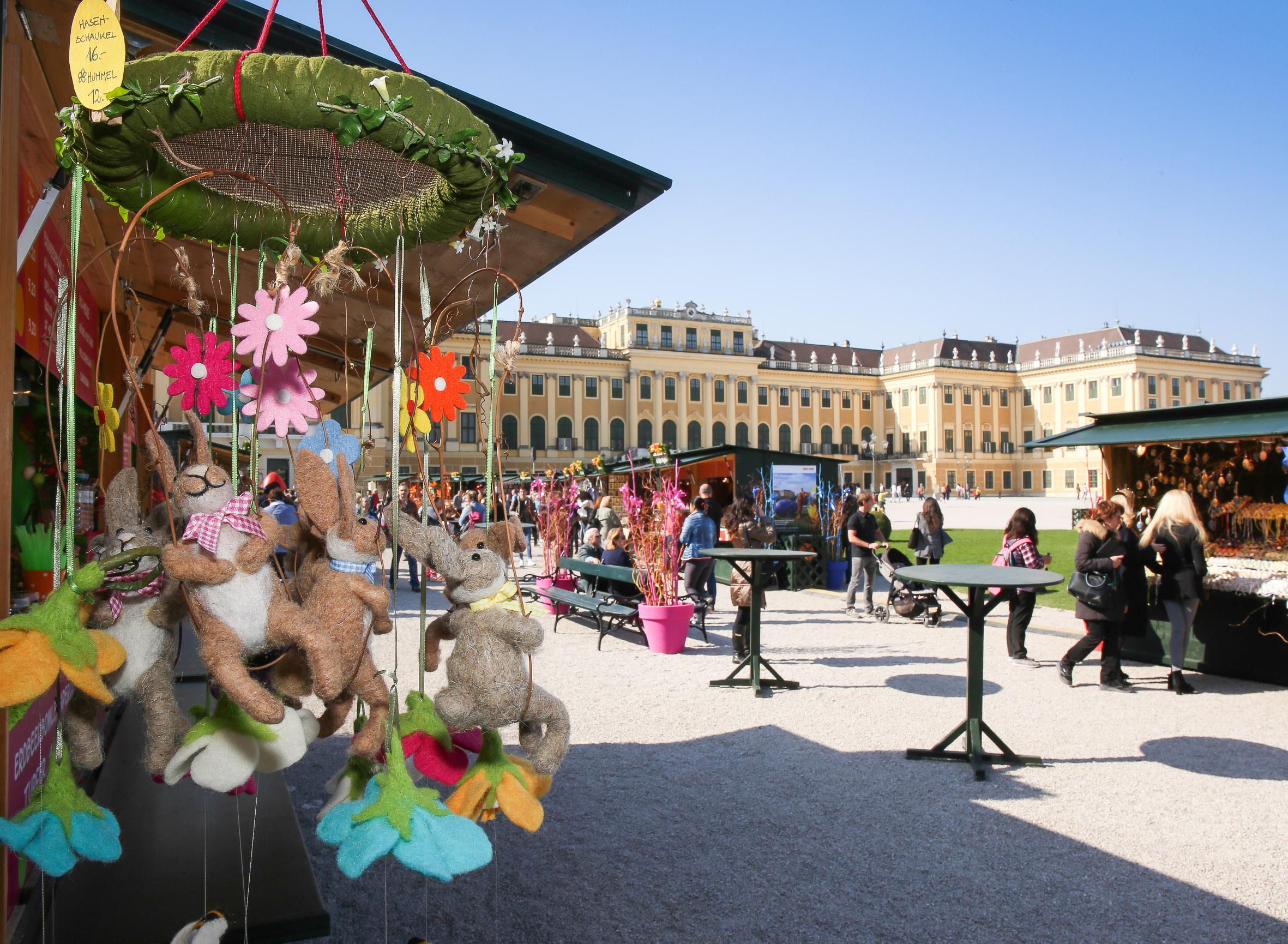 Ostermarkt Schloß Schönbrunn © FOTOFALLY