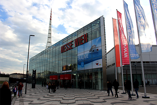 Blick auf das Messe-Gebäude