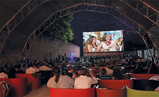 Kino im Garten des Schloss Neugebäude